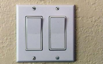 Двойной выключатель на две лампочки