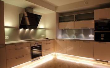 Подсветка на кухне под шкафы