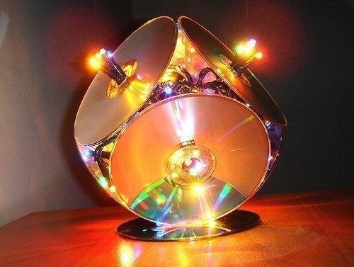Светильник из компакт-дисков
