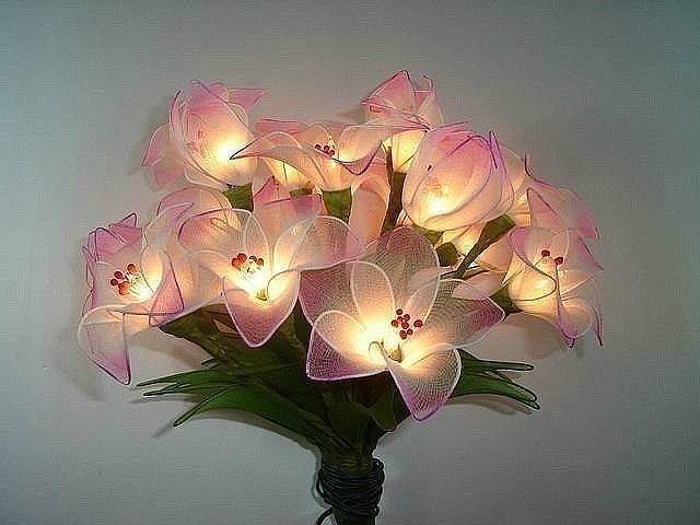 Ночник из капрона в виде цветов