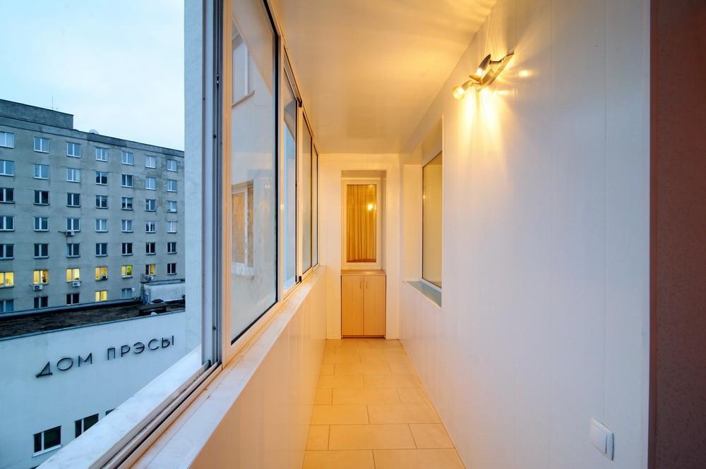 Балкон с освещением