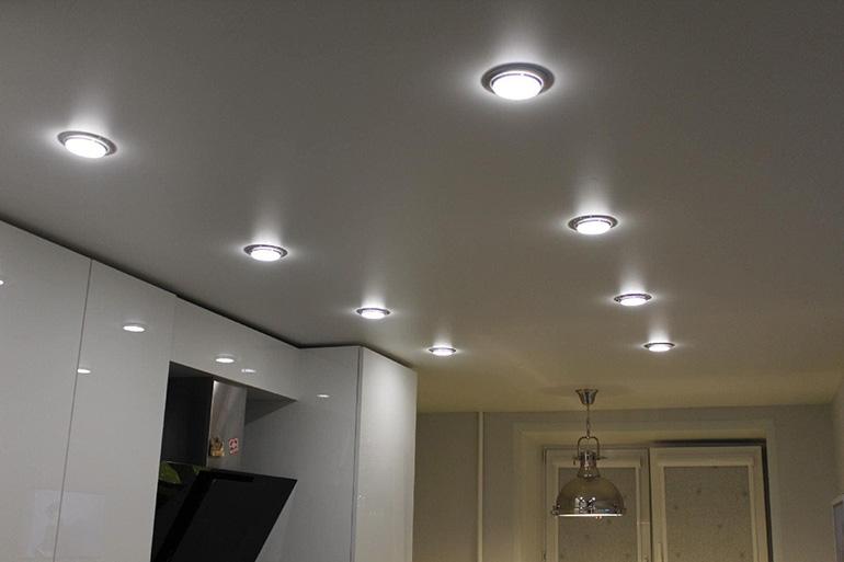 Количество светильников